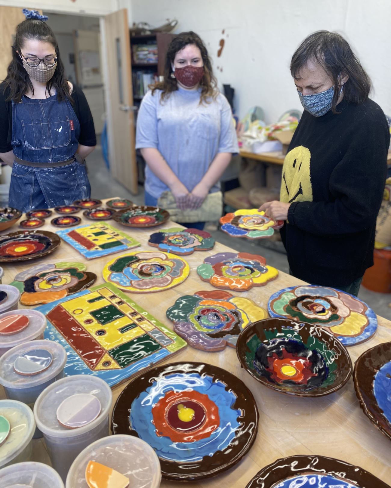 Polly Apfelbaum with Arcadia students during her residency