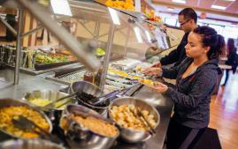 Students grabbing food in the Dining Hall