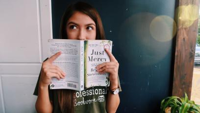 Jasmin Ramirez reading a book