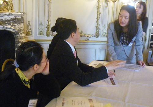 Visiting Scholars Discuss Chinese Business Trends