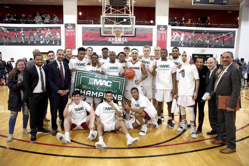 Men's basektball when they won the MAC Championship